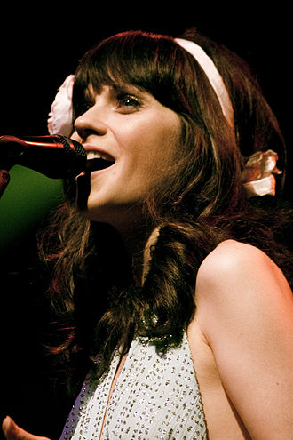 Zooey Deschanel - Deschanel performing in New York in 2008