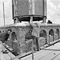 't plaatsen van de spits op de toren - Bodegraven - 20036658 - RCE.jpg