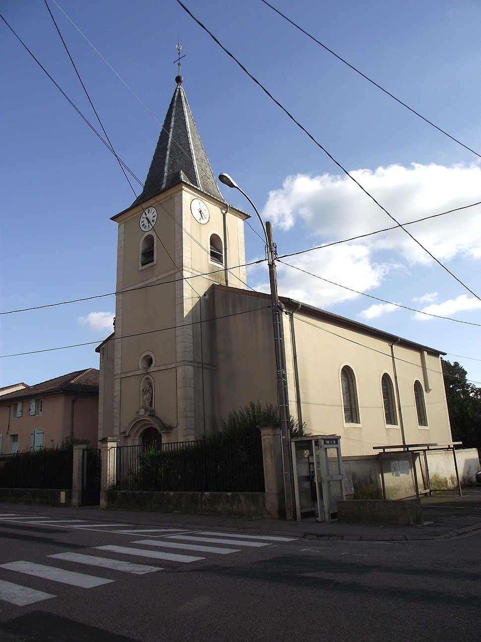 The church in Bicqueley