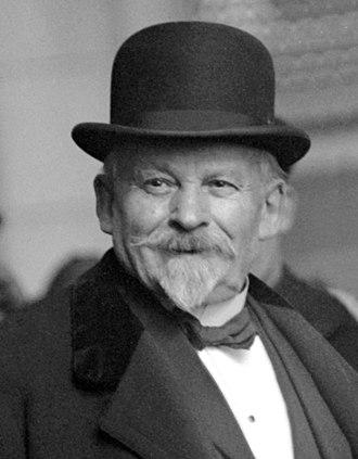 Histoire de l' hypnose -  Milton H. Erickson  -  Qu'est-ce que l'HYPNOSE ERICKSONIENNE ? 330px-%C3%89mile_Cou%C3%A9_3
