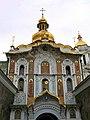 Західний фасад Троїцької Надбрамної церкви 2009.jpg