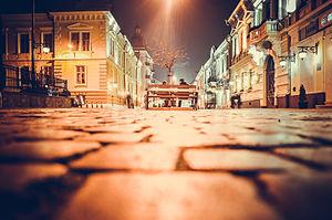 Кобилянська, ніч.jpg