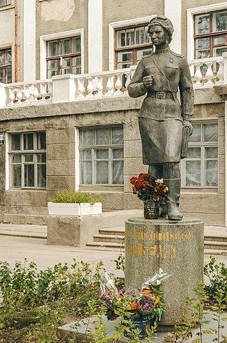 Vera Belik - Monument to Vera Belik in Kerch, Crimea