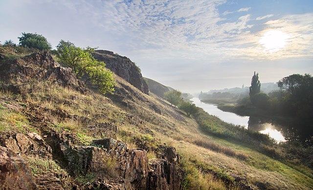 Скелі МОДРу, © Сергій Рижков, CC-BY-SA 3.0