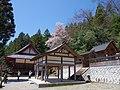 仏隆寺本堂と白岩神社 宇陀市榛原赤埴 Main hall of Butsuryūji and Shiraiwa-jinja 2013.4.13 - panoramio.jpg