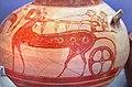 02 2020 Grecia photo Paolo Villa FO190056 bis (Museo archeologico di Atene ) Dall'Acropoli di Micene XIV-XIIsec a.C. , frammento di Cratere NAMA 7387 in terracotta dipinta con un carro, con gimp.jpg