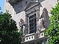 082 Palacio del Marqués de la Rambla, finestral.jpg