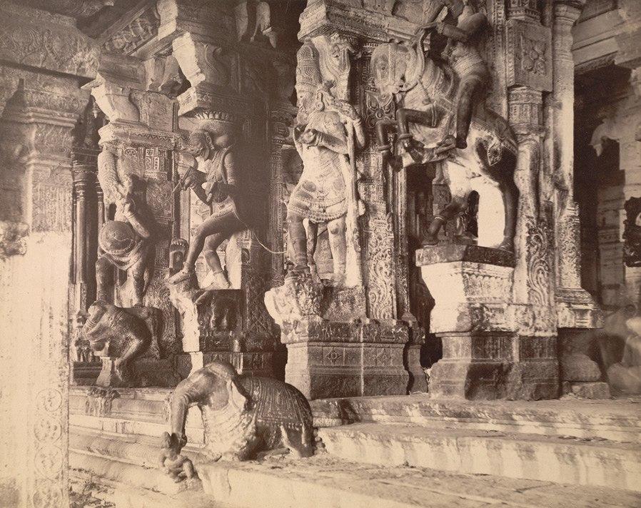 1895 print of Meenakshi temple 1000 pillar Airakkal mandapa choultry