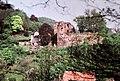 19880513013NR Tharandt Burgruine und Stöckhardt-Villa.jpg