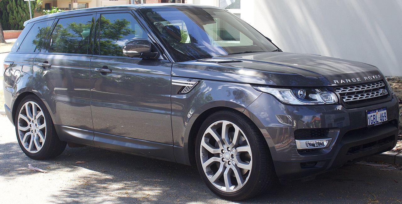2016 Land Rover Range Rover Sport (L494 MY16.5) HSE SDV6 wagon (2017-01-22) 01.jpg