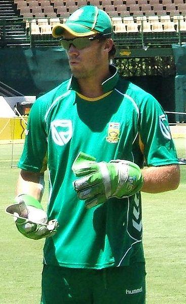 File:AB de Villiers glove.jpg