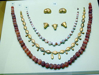 Heraklion Archaeological Museum - Minoan jewelry.