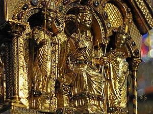 Karlsschrein - Detail: Charlemagne enthroned between church officials