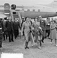 Aankomst Prinses Beatrix en Prinses Irene op Schiphol uit USA en Canada, Bestanddeelnr 905-9205.jpg