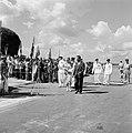 Aankomst van koningin en prins op het vliegveld Zanderij. Rechts Johan Ferrier, , Bestanddeelnr 252-4195.jpg