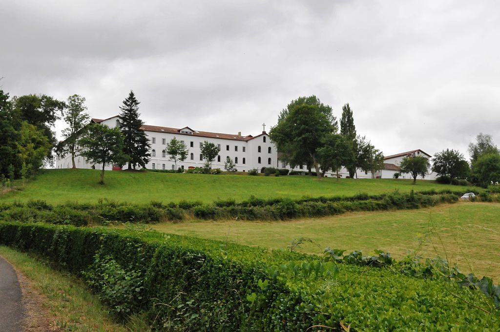 Abbaye-de-Belloc.JPG