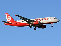 Airbus A320-214, Air Berlin AN1697498.jpg