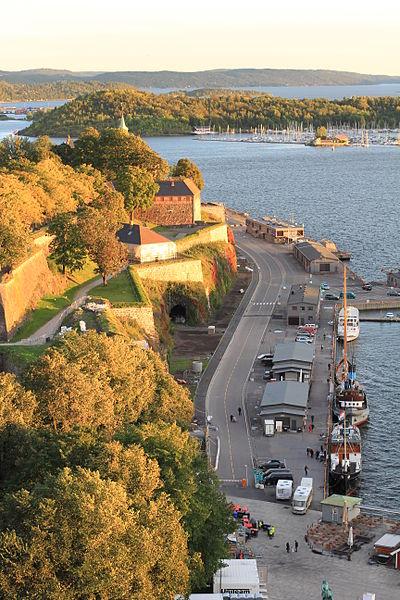 File:Akerhusstranda fra Rådhuset 14.09.2012 19-22-01.JPG