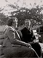 Alwine Wellmann+Evdokia Obreschkova Sofia 1937-05-16.jpg
