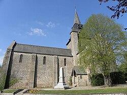 Ambrières-les-Vallées (53) Église 02.jpg
