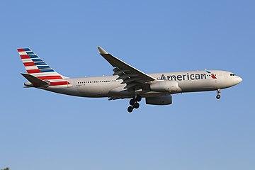 American Airlines Airbus A330-243 N288AY (30247707356).jpg