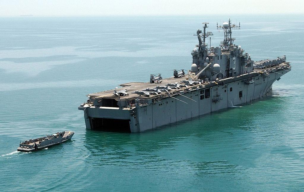 File:Amphibious assault ship USS Belleau Wood (July 7 2004 ...