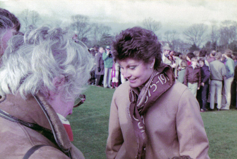 Angela Rippon (Durdham Downs, Bristol, 1983) (363351929).jpg