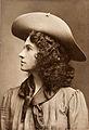 Annie Oakley c1903.jpg