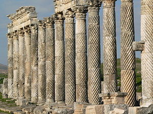 Fluting (architecture) - Spiral fluted columns in the Great Colonnade at Apamea in Syria