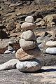 Apilamentos de pedras realizado polos visitantes ao Castro de Baroña. Porto do Son. Galiza 316.jpg