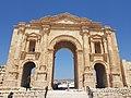 Arch of Hadrian (Jerash).jpg