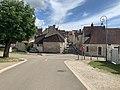 Arrivée à Irancy (Yonne) par la route de Saint-Bris - rues.jpg