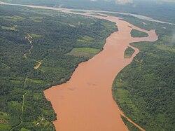 Злиття річок тамбо (на передньому