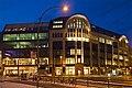 Außenfront Hackesche Höfe Berlin Abend.jpg
