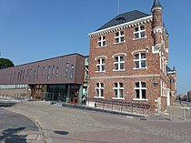 Auby (Nord, Fr) mairie 01.JPG