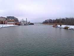 Azovka River (Don) near the mouth.jpg