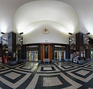 Oldenburg (Oldenburg) Hauptbahnhof - Main hall