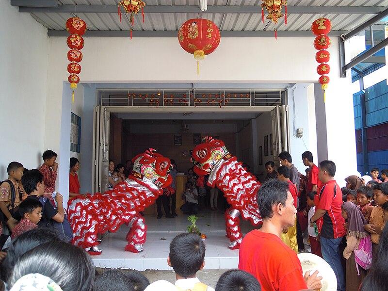 Berkas:Barongsai from Padang.jpg