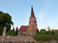 Bartow Vorpommern Kirche Denkmal Mauer.JPG