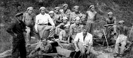 John Paul II (second from right) in Baudienst work crew circa 1941 Baudienst, Krakow, Karol Wojtyla.jpg
