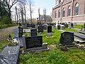 Begraafplaats bij de kerk. Cornjum.JPG