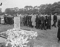 Begrafenis stewardes mejuffrouw Lowenstein (ramp Triton, Bestanddeelnr 906-7129.jpg