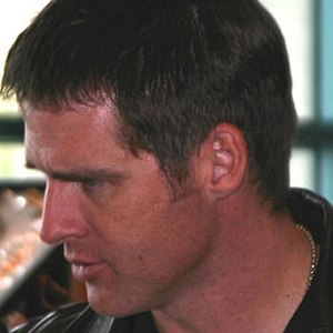 Cameron Mitchell (Stargate) - Ben Browder at a Farscape convention in 2004, a year before being cast as Cameron Mitchell on SG-1