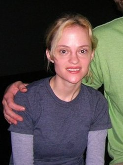 Angela Bettis (2007).