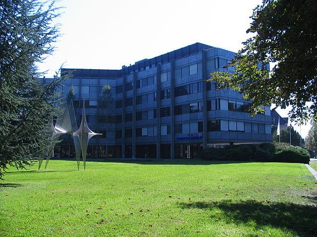 Hauptsitzt Swatch Group, ehemals Hauptgebäude Omega, in Biel-Bienne (Schweiz)