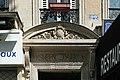 Boulevard des Filles-du-Calvaire (Paris), numéro 22, dessus de porte.jpg