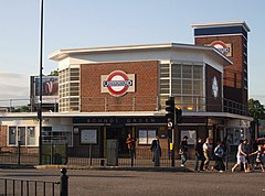 Bounds Green stn building.jpg