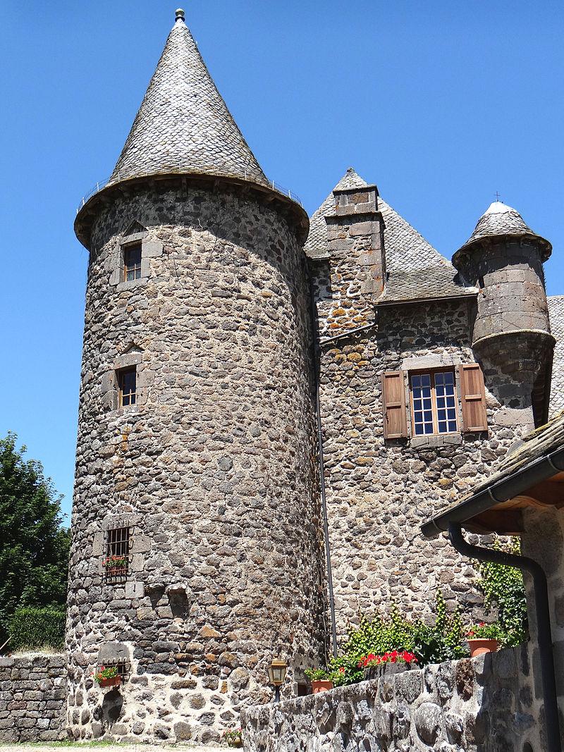 Brommat - Château d'Albinhac -01.JPG