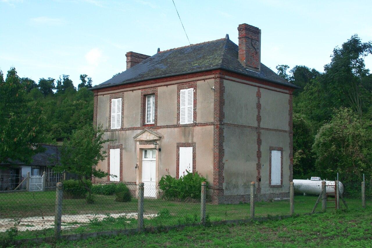 photographie représentant l'ancien presbytère devenu mairie de Brucourt
