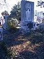 Bucuresti, Romania. Cimitirul Bellu Catolic. Ingerul si 3 ghiocei primavarateci.jpg
